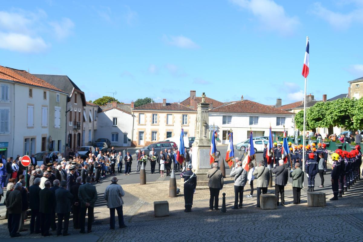 Monument aux morts Mouilleron